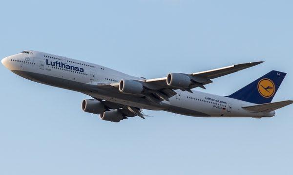 Авиаперевозчик Lufthansa обновил раскраску своих самолетов