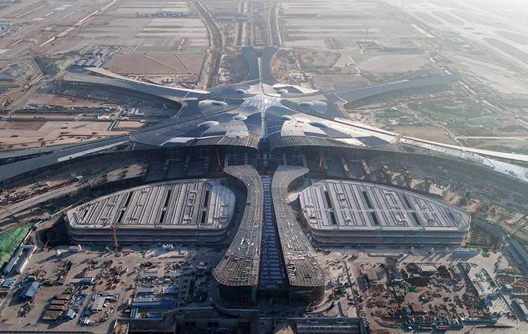 Первый взлет из аэропорта Пекин-Дасин