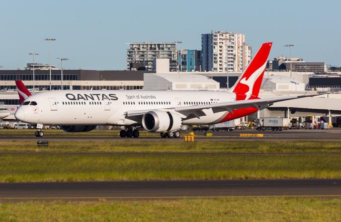 самолет QANTAS B787