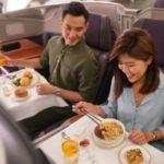 В одном из запаркованных Airbus A380  открывается ресторан  Singapore Airlines